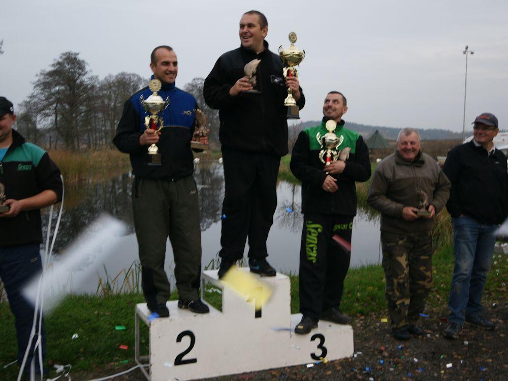 www.leszcz.pl - Łowienie na wolno płynącej, wąskiej rzece i Puchar Twardzieli 2014